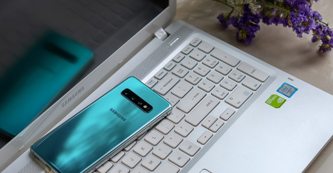 Why is it worth considering purchasing a new Samsung flagship?